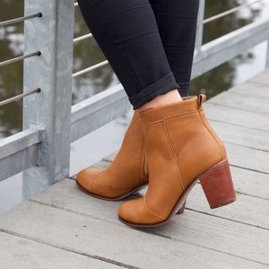 Toms Lunata Tan Leather Booties Size 11